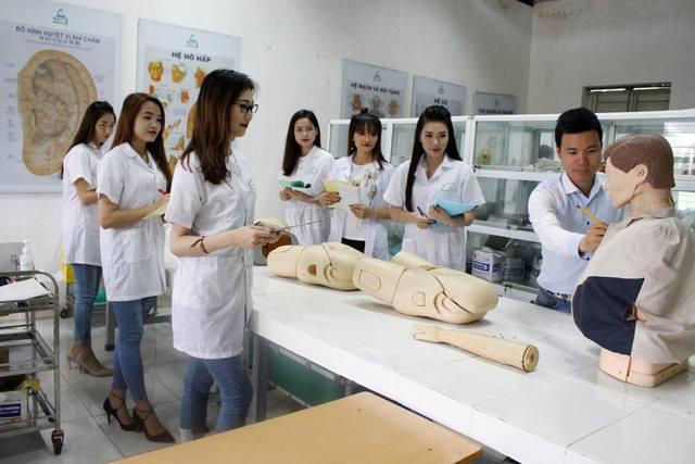 Điểm chuẩn Cao đẳng Điều dưỡng Đà Nẵng năm 2019 là vấn đề được khá nhiều thí sinh quan tâm